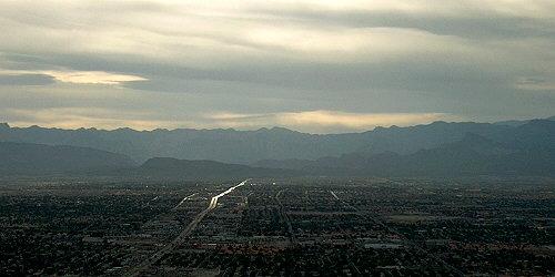 Nad Las Vegas se smráká.