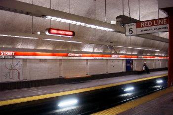Stanice metra Park Street.